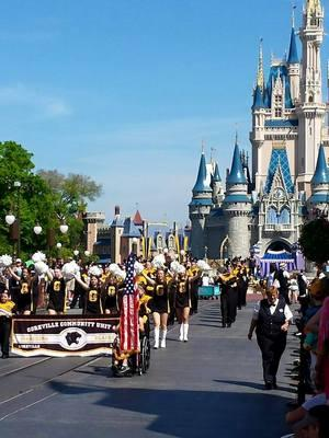 GOREVILLE MARCHING BLACKCATS PERFORM AT DISNEY!