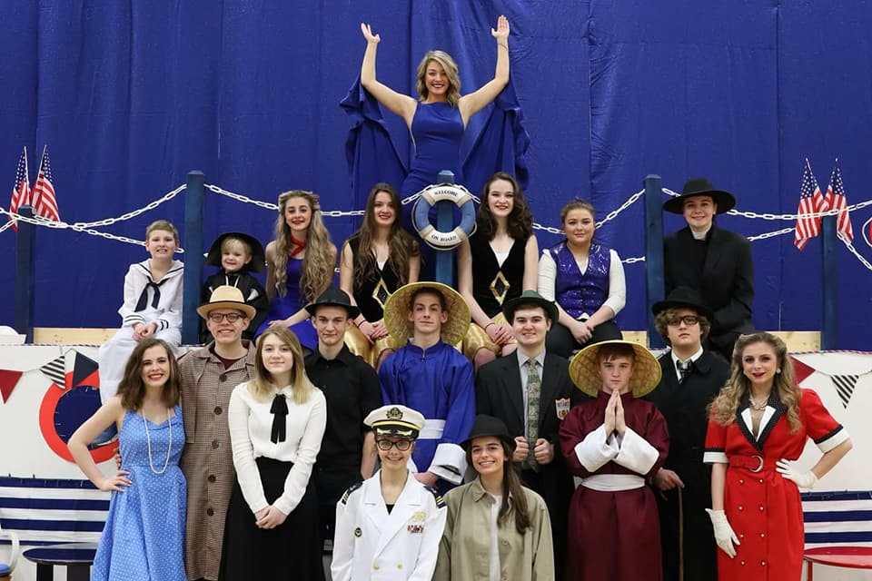 "DRAMA CLUB PRESENTS ""ANYTHING GOES"""